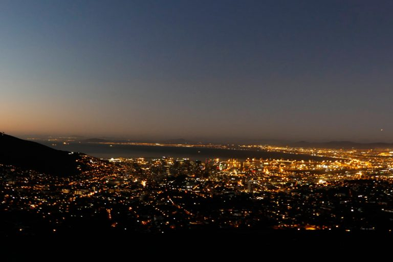 Ciudad del Cabo de noche, desde Table Mountain.